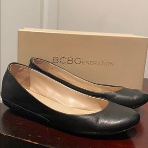 BCBG Concealed Mini Wedge Flats